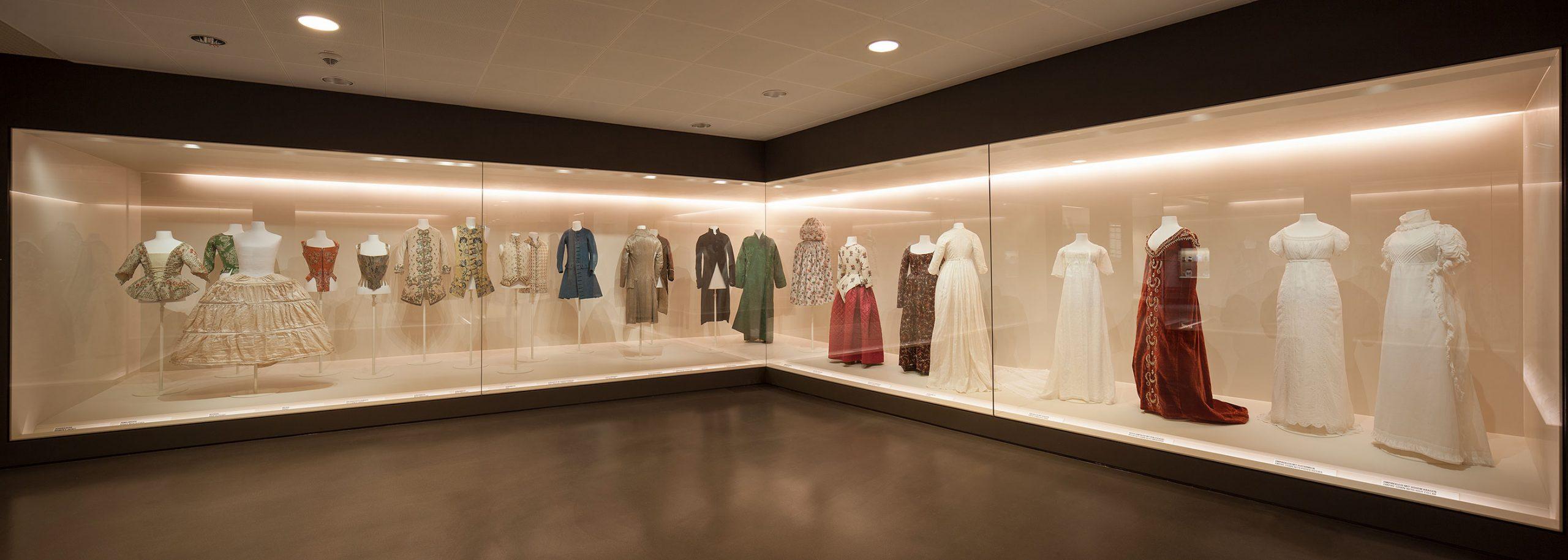 """Kunstgewerbemuseum, """"Die Modegalerie"""", Berlin"""